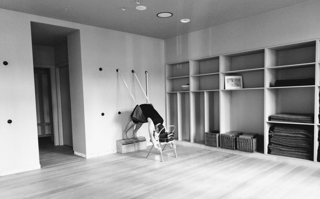 Joga terapeutyczna dla kręgosłupa - AMS na linach