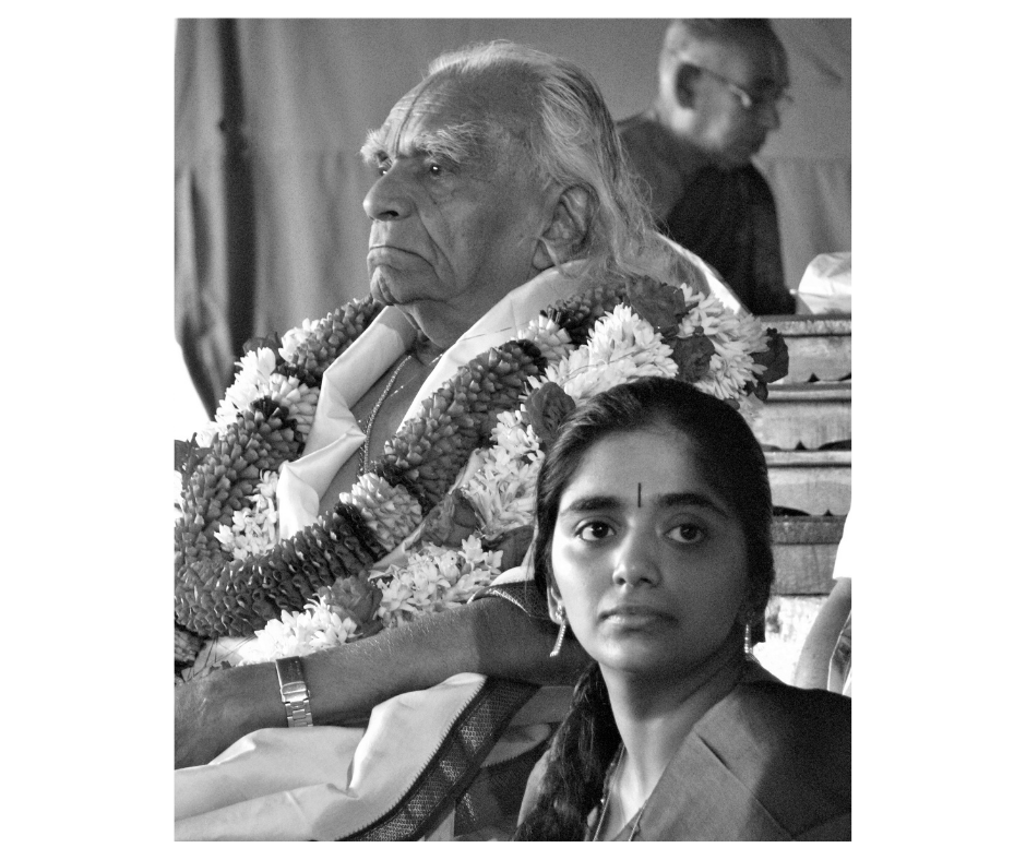 Guruji i Abhi